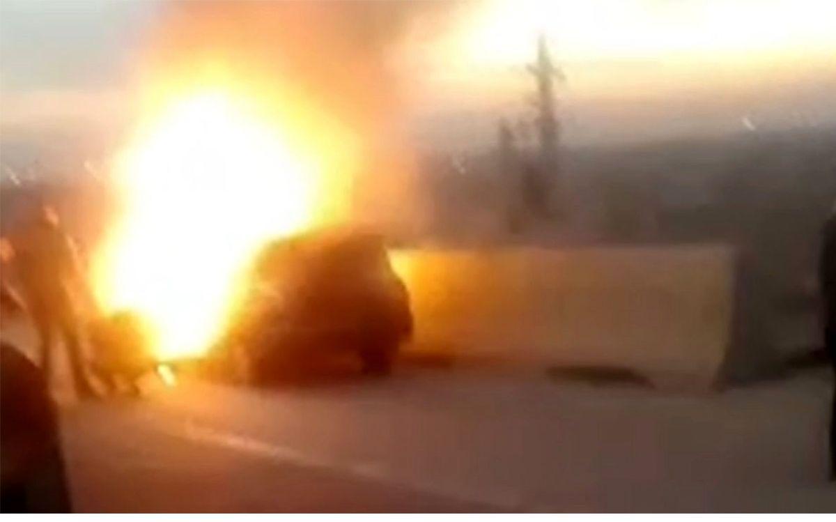 آتش سوزی مهیب پراید در جاده ساوه+فیلم