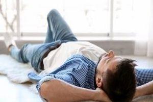 هشدار؛ این حرکت ساده در زمان خواب باعث مرگ ناگهانی می شود!